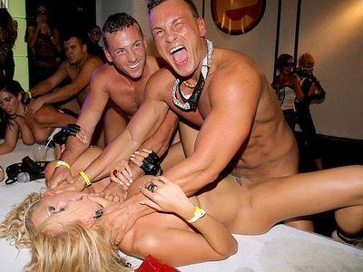 Porno ballītes