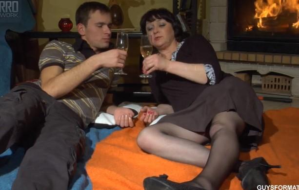 вот меня ебут русскую пожилую пожрать, отдохнуть